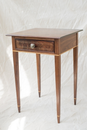 Federal side table in walnut
