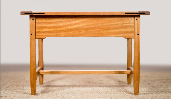The Midi table in Sapele
